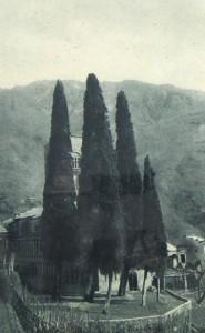 il piazzale dell'abbazia negli anni '20
